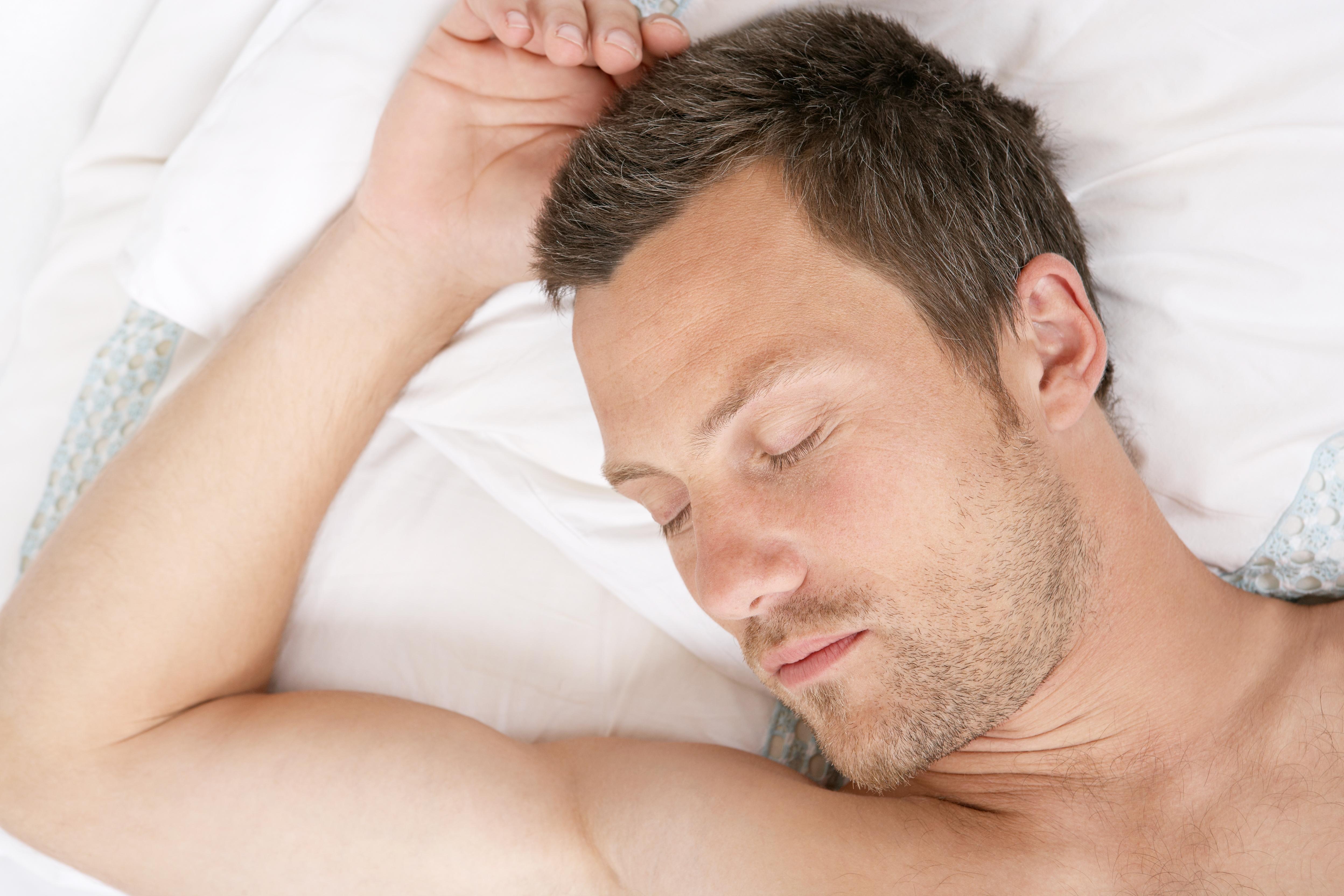 Jak jakość snu wpływa na męską płodność?