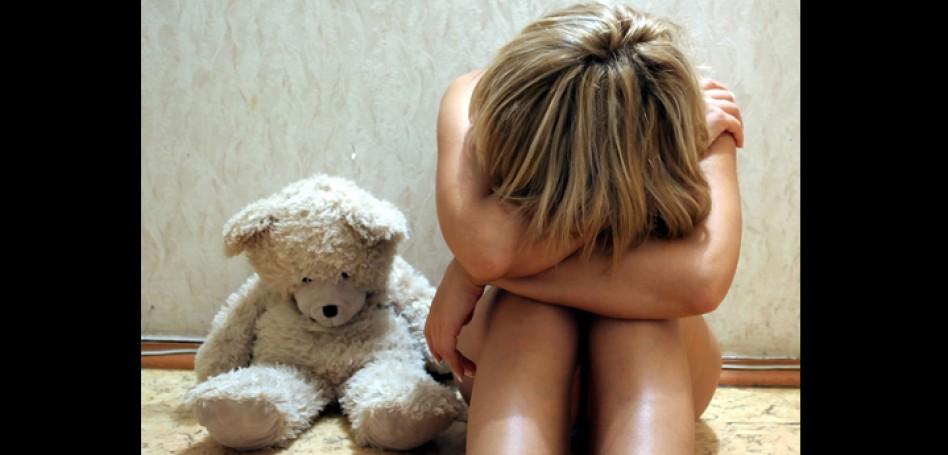 sad-woman-with-teddy-bear.jpg
