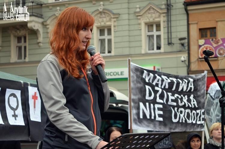 Rybnik - Czarny Protest - in vitro. Przemawia Maja Pawlik