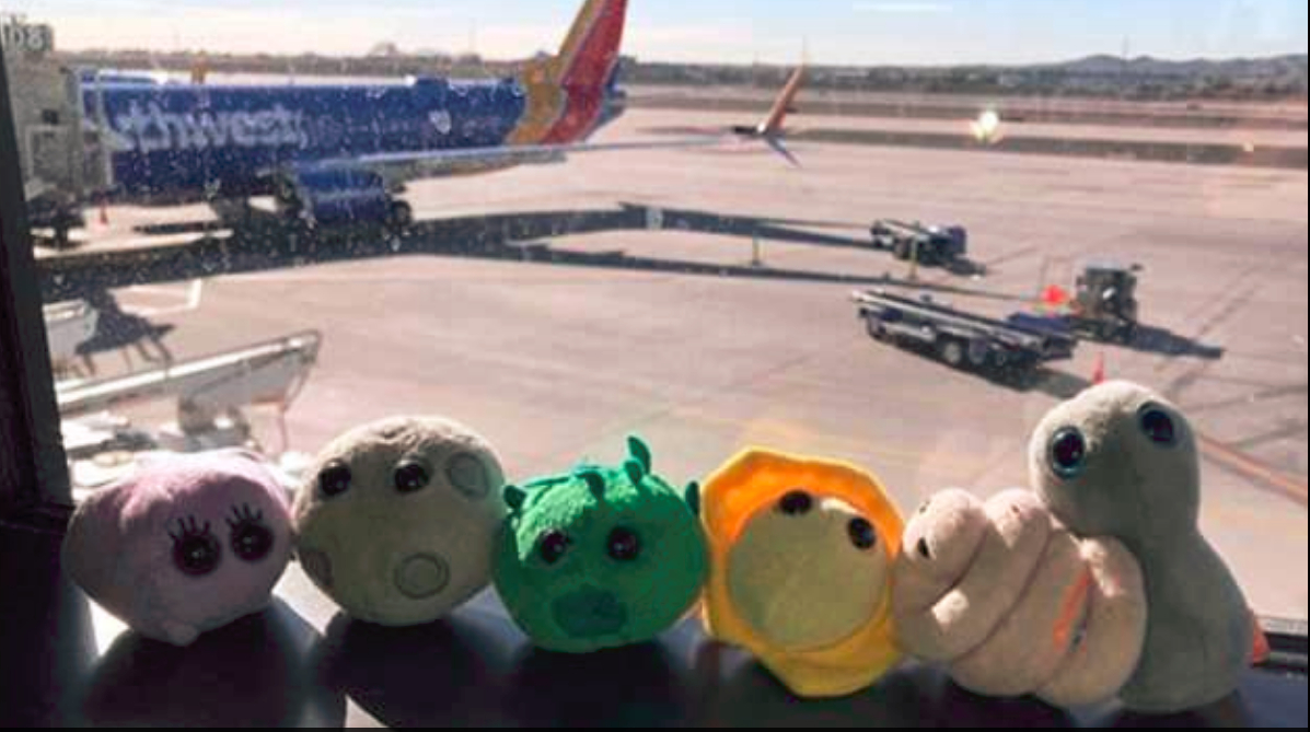 Gigantyczne mikroby na tle lotniska