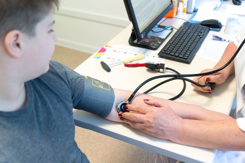 in vitro zwiększa ryzyko nadciśnienia u dzieci