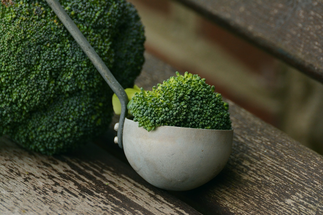 Cząsteczki zawarte w brokułach są pomocne w profilaktyce i leczeniu raka - dowiedli naukowcy