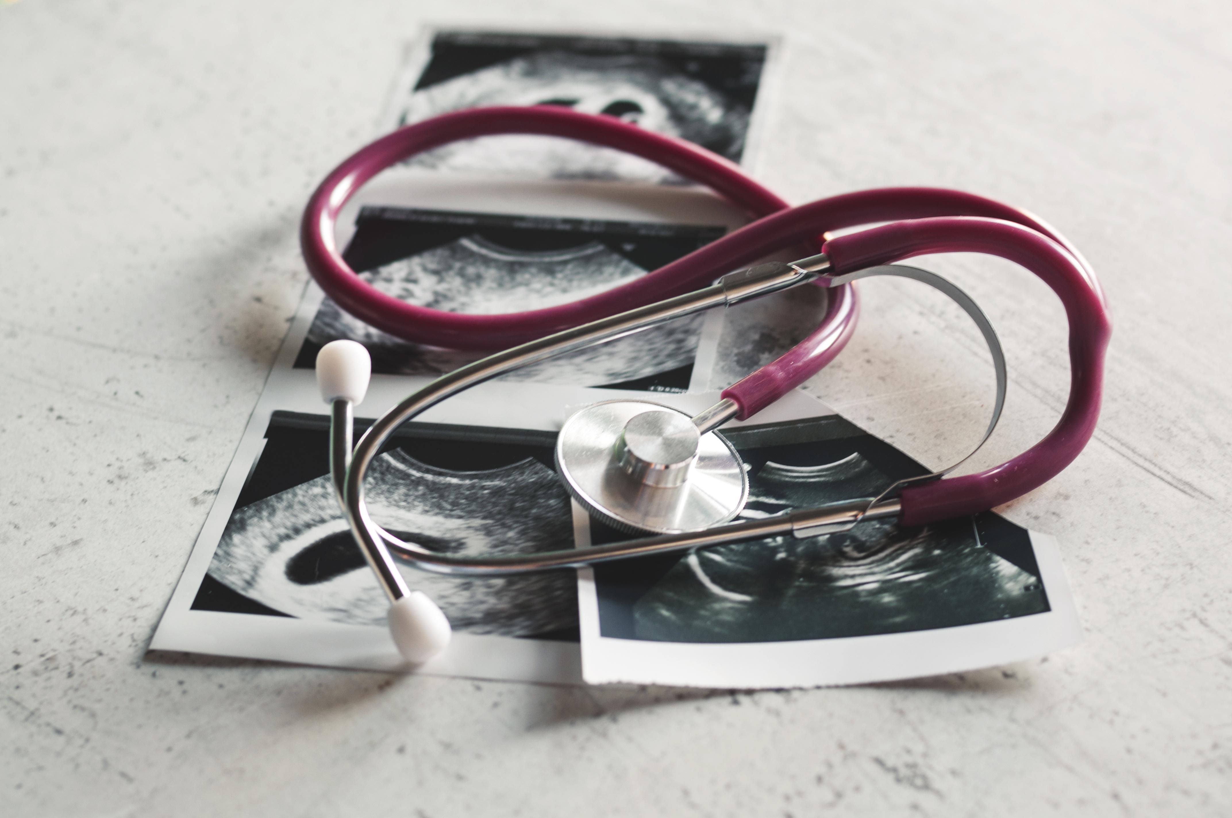 Badania przesiewowe I trymestru – co powinnaś wiedzieć?