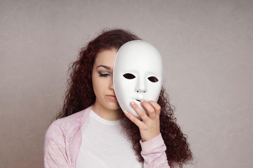 samotność w niepłodności maska